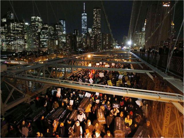 Brooklyn Bridge protestors